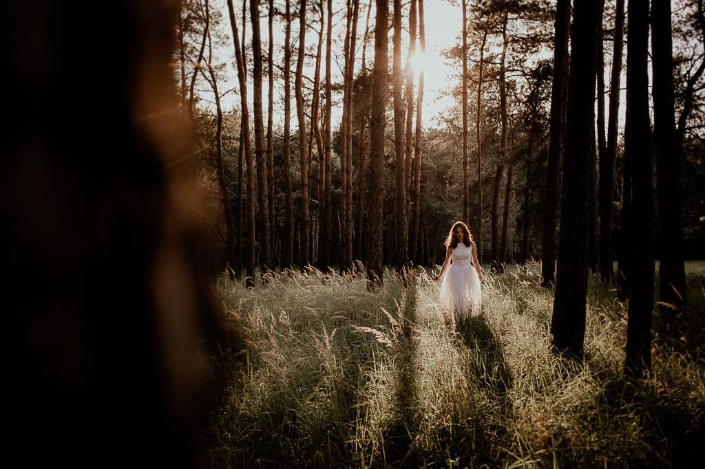 Iwona, Jakub i Majlo – leśna sesja plenerowa – Puławy