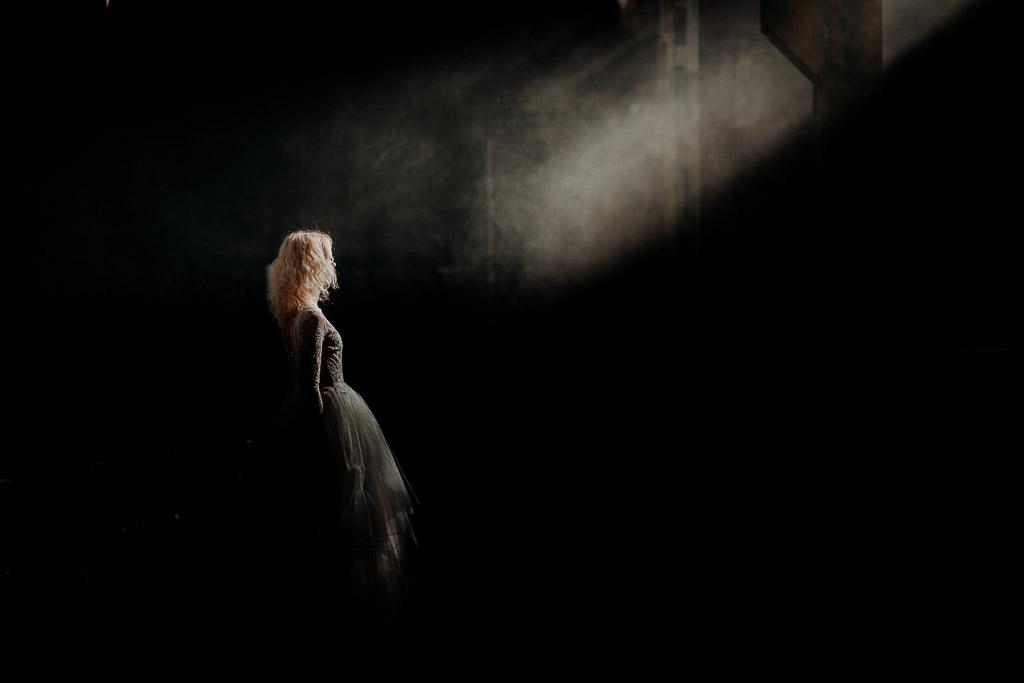 Ola i Michał – ślub Żyrzyn | sesja w opuszczonej hali
